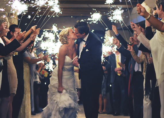 Kissing under the sparklers 1170x731 1